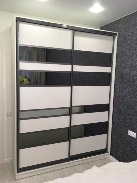 Шкаф-купе 2-х створчатый Белый с тонированными зеркальными вставками