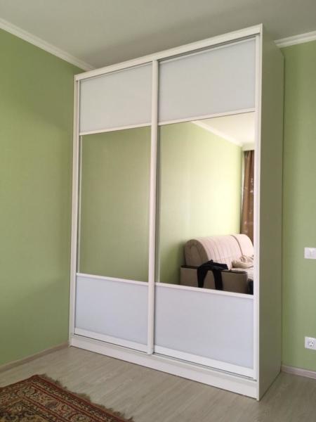 Шкаф-купе 2-х створчатый белый с зеркалами