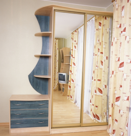 Шкаф-купе 2-х створчатый Дуб Сонома зеркальный