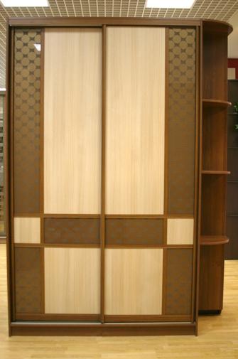 Шкаф-купе 2-х створчатый Комбинированные двери и антресоль