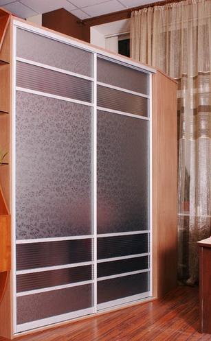 Шкаф-купе 2-х створчатый с матовыми зеркалами