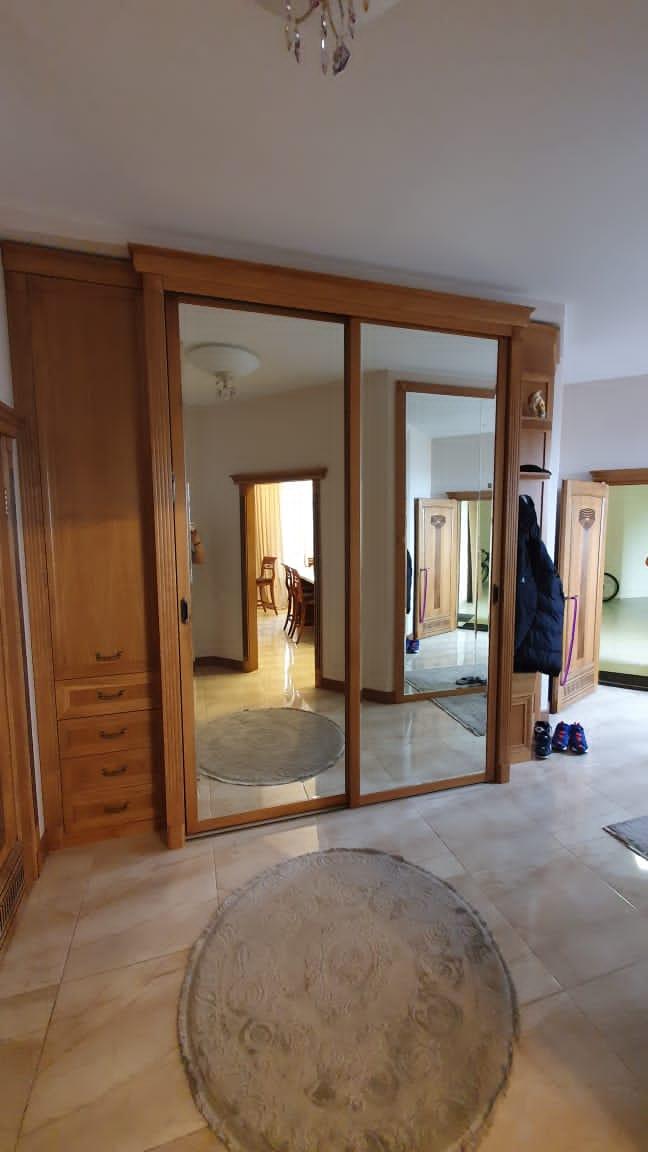 Шкаф-купе 2-х створчатый Вишня Оксфорд классика зеркальный