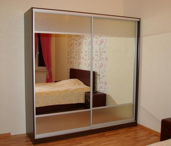 Шкаф-купе 2-х створчатый с комбинированными зеркальными дверьми