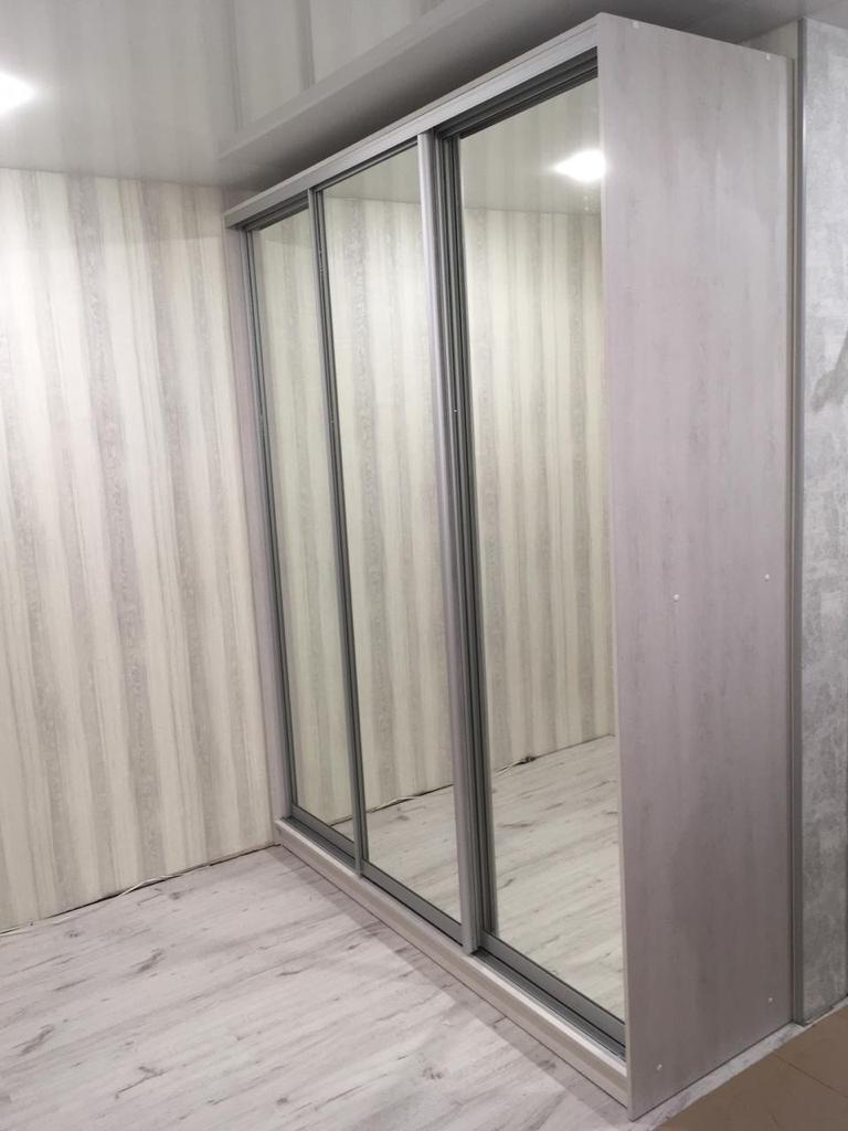 Шкаф-купе 3-х Баунти зеркальный