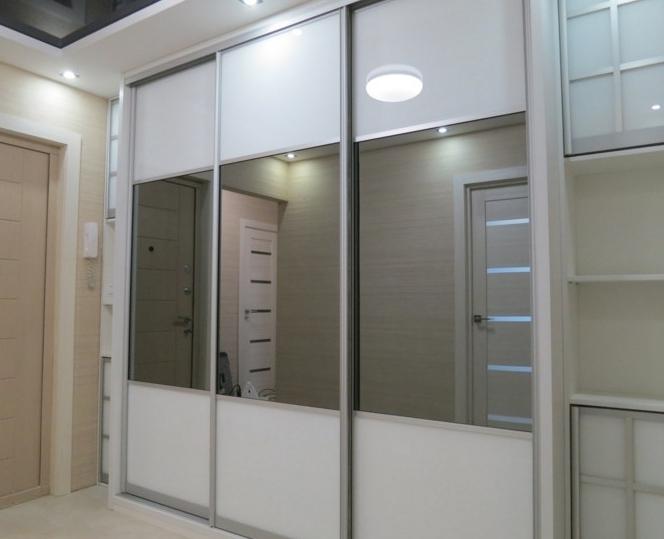 Шкаф-купе 3-х створчатый Белый с тонированными зеркалами