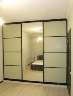 Шкаф-купе 3-х створчатый Бежевый с зеркалом