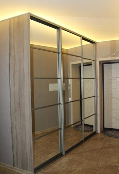 Шкаф-купе 3-х створчатый Дуб Сонома темный зеркальный