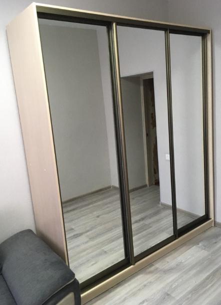 Шкаф-купе 3-х створчатый Млечный Дуб зеркальный