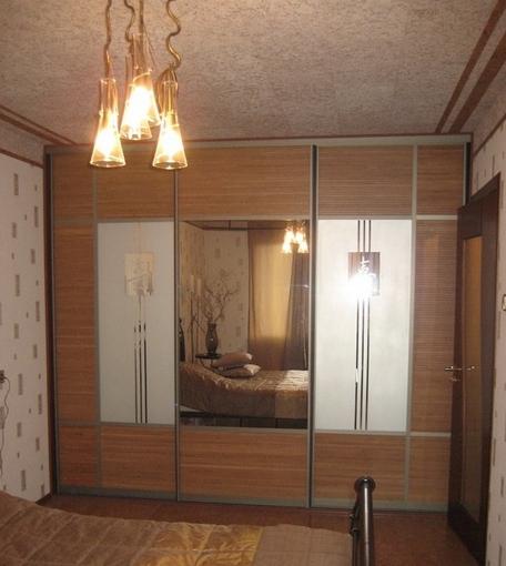Шкаф-купе 3-х створчатый Слива Валлис с зеркалами и пескоструем