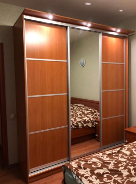 Шкаф-купе 3-х створчатый Орех Мария Луиза с делителями и зеркалом