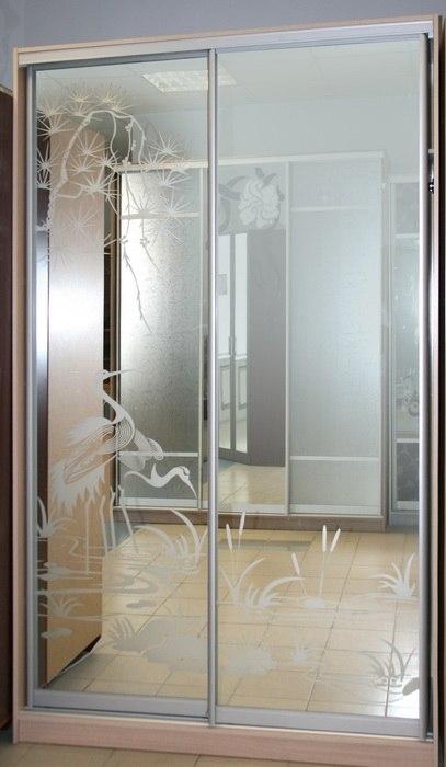 Шкаф-купе 2-х створчатый Ясень Шимо светлый с зеркалами пескоструй Цапли