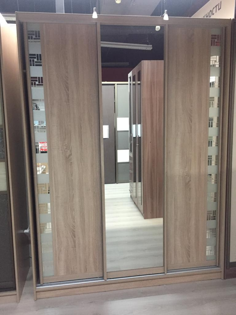 Шкаф-купе 3-х створчатый Ясень с зеркалом