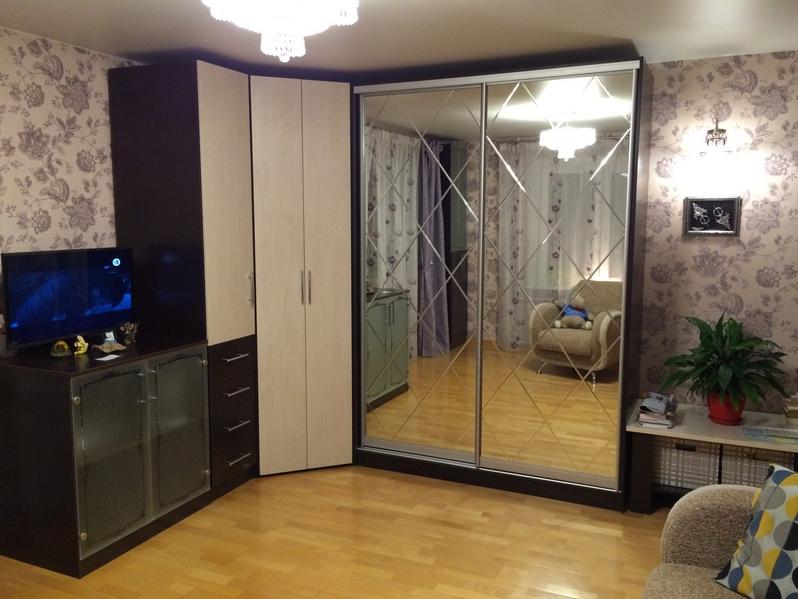 угловой шкаф с распашными дверьями Дуб Сонома