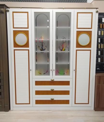 Книжный шкаф в морском стиле