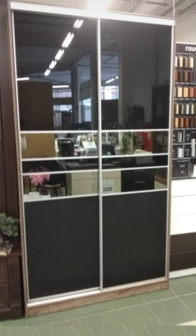 Шкаф-купе 2-х створчатый Черное стекло с зеркальными вставками