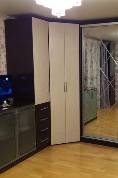 Угловой шкаф Дуб Сонома с распашными дверьми