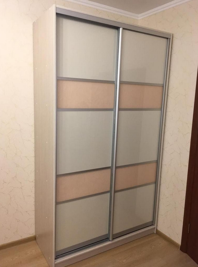 Шкаф-купе 2 двери Дуб Атланта стекло с пленкой Бежевый