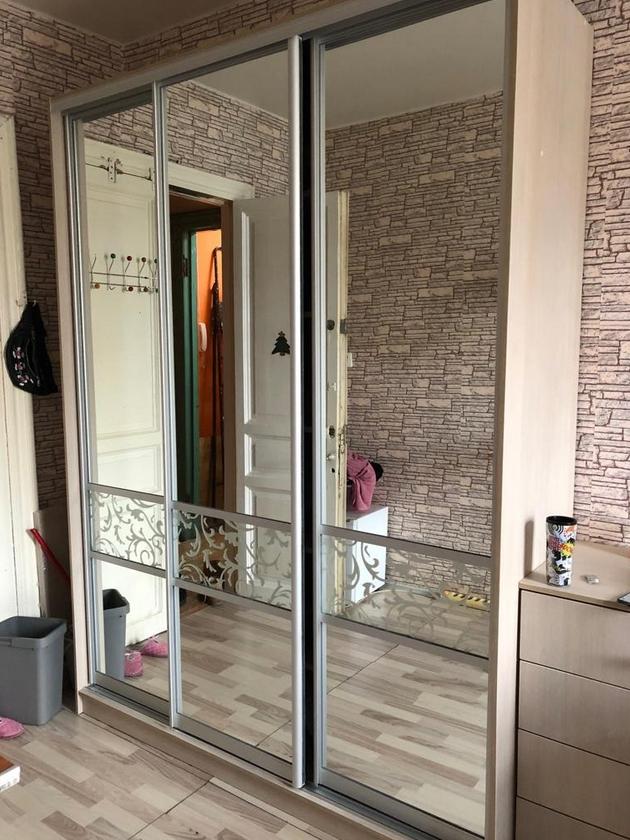 Шкаф-купе 3 двери Ясень Шимо светлый зеркальный с рисунком