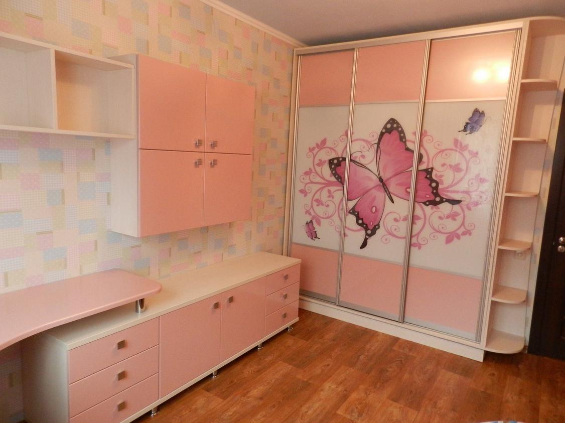 Шкаф-купе в детскую 3 двери Бежевый Розовый фотопечать бабочки