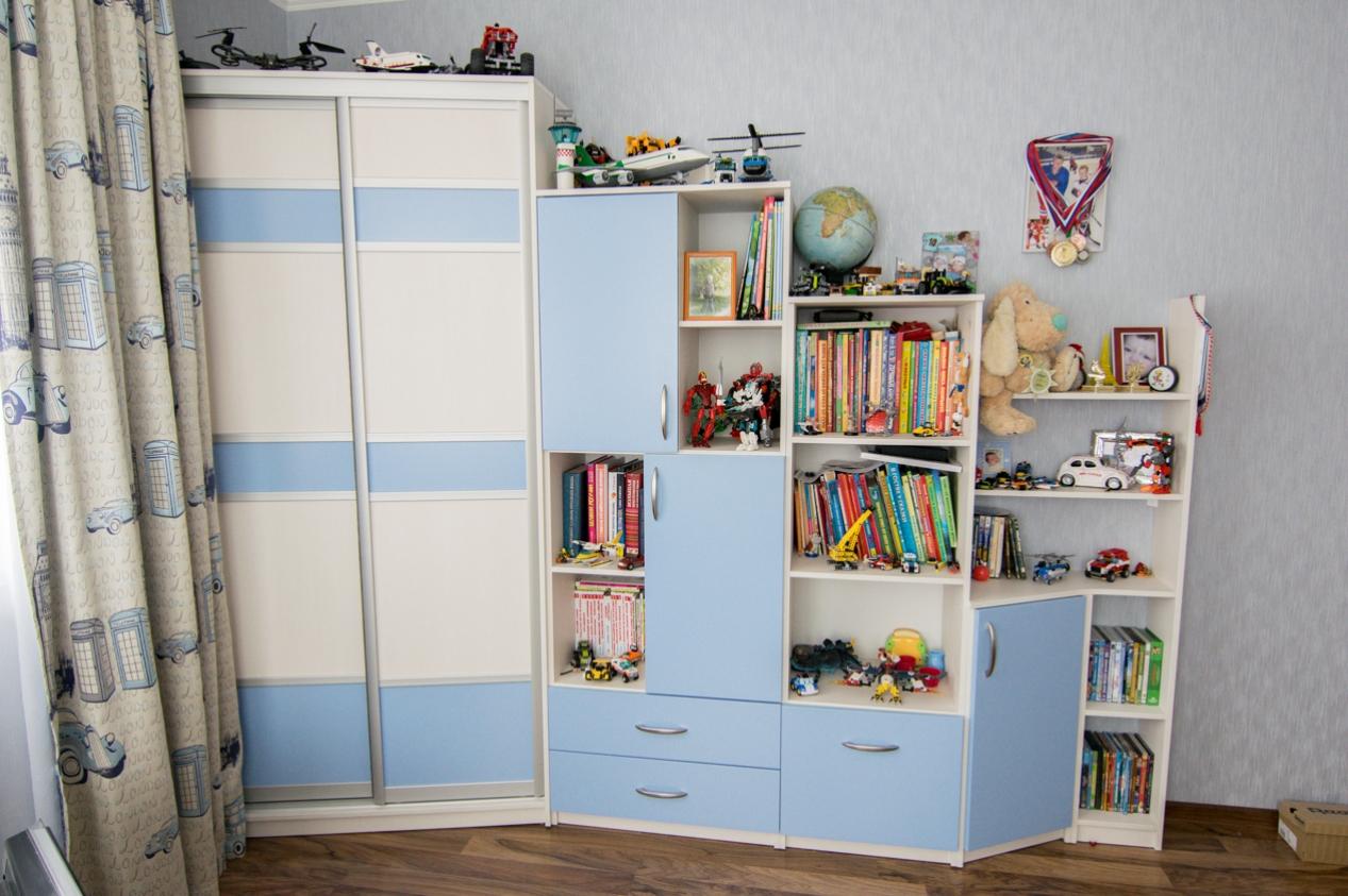 Угловой шкаф-купе в детскую 2 двери Бежевый Голубой