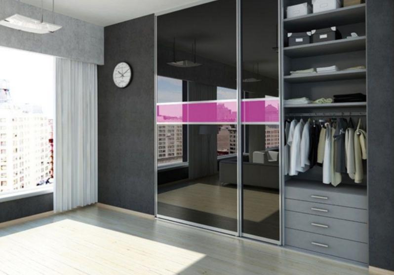 Встроенный шкаф-купе в детскую 2 двери Черный розовая вставка