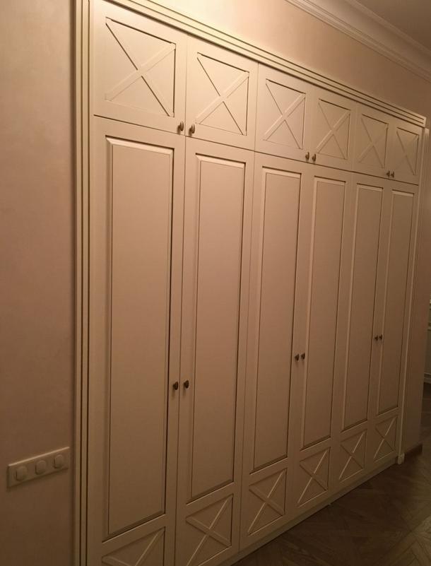 Встроенный распашной шкаф Белый 6 дверей